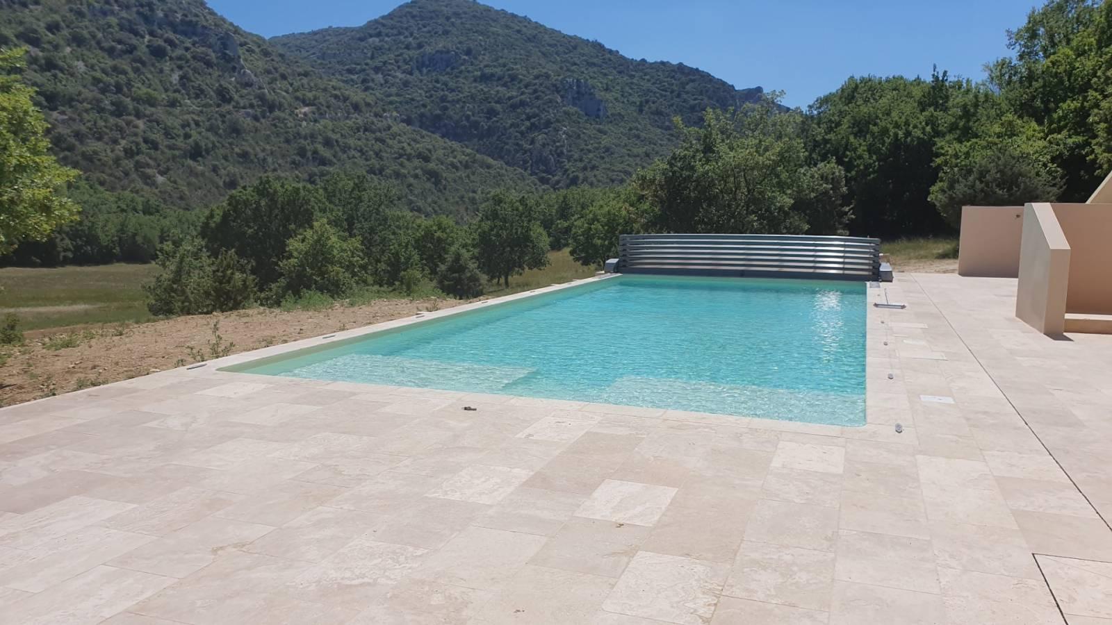 Constructeur De Piscine Montpellier construction d'une piscine sur mesure en béton magiline
